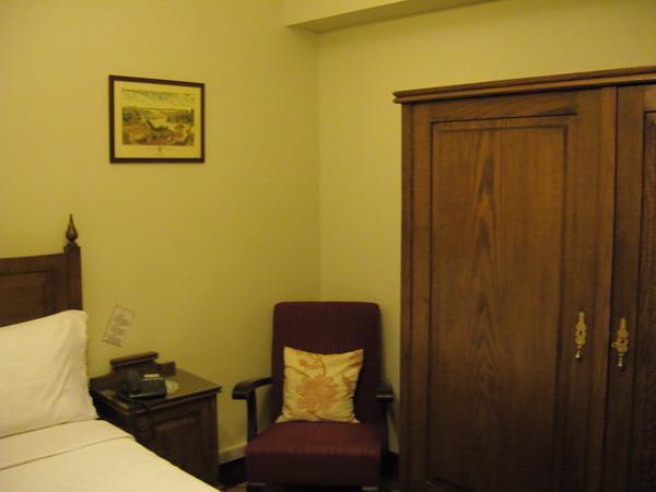 9_hotel.jpg